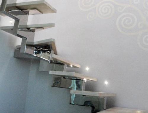 Scala in acciaio Inox con gradini in legno